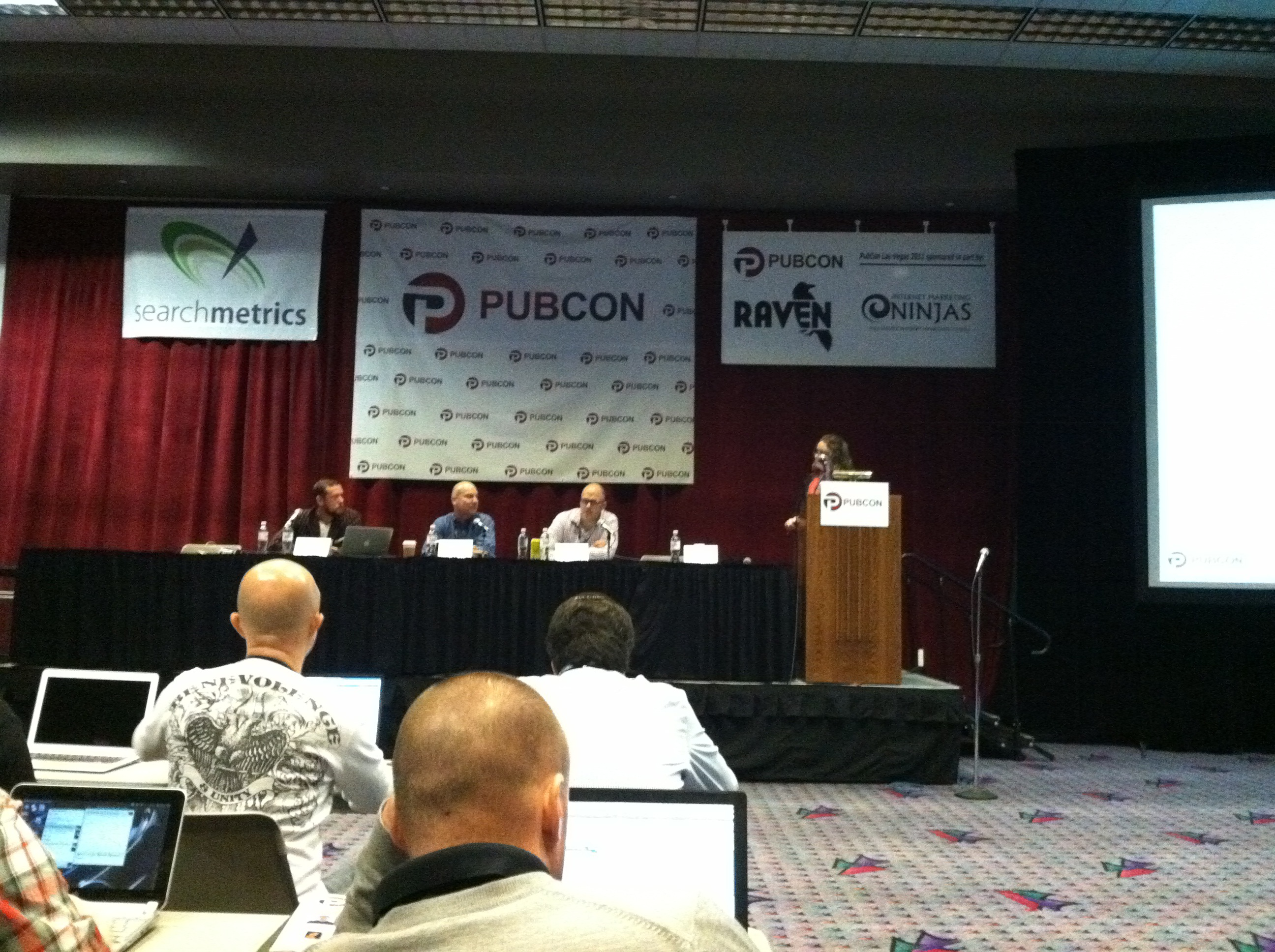 #pubcon Loren Baker on Building Links with Maximum Benefit and Minimum Risk