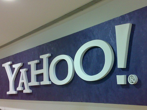 alibaba group hires lobbying group for yahoo acquisition