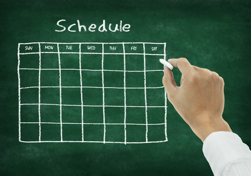Social Scheduling for Maximum Impact