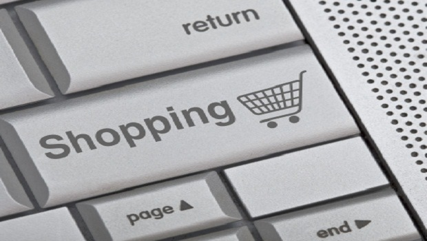E-commerce-shopping-button-on-keyboard
