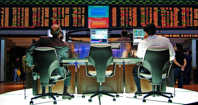 Should We Be Valuating Social Media Users by Stock Prices?