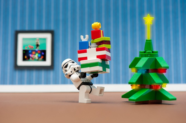 Top Toys of Yesteryear: A Retro Holiday Gift Guide for SEOs