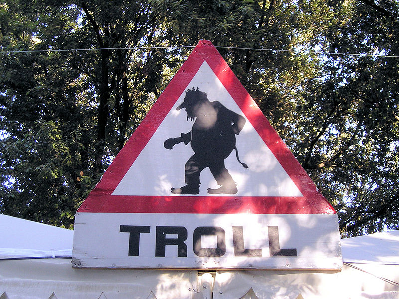 10 Ways to Destroy An Online Commenting Troll - Search Engine Journal