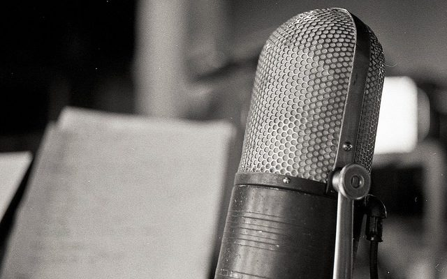 What Mic Do I Need For a Professional Podcast? 10 of The Best Podcasting Microphones