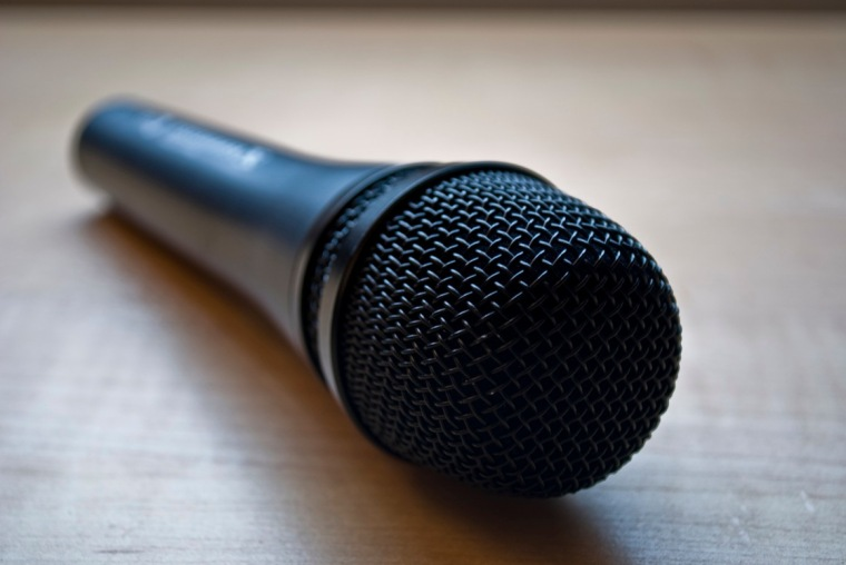 What Mic Do I Need For a Professional Podcast? The 10 Best Podcasting Microphones