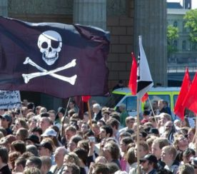 """Google Updates Search Algorithm To Weed Out """"Notorious"""" Piracy Sites"""