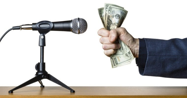 How to Build Business While Speaking at Conferences