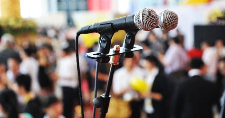 5 Tactics to Become an Outstanding Public Speaker