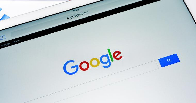 Google to stop showing ads in right hand sidebar