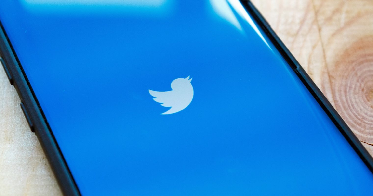 Twitter Makes it Easy to Send Tweetstorms With New Threads Feature