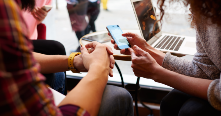 Social Media Surpasses Traditional Newspapers as a Primary News Source [STUDY]